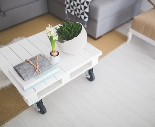 table-white-home-interior-520x426